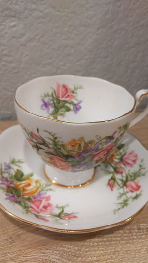 Roslyn Fine Bone China Royal Rose #8742 for Sale in SeaTac, WA