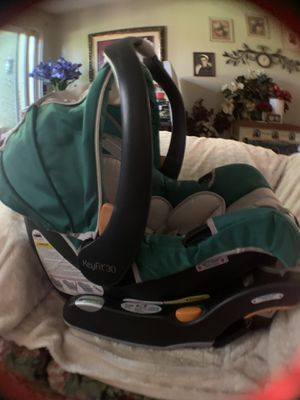 CHICCO Keyfit 30 Infant Car Seat for Sale in Eugene, OR