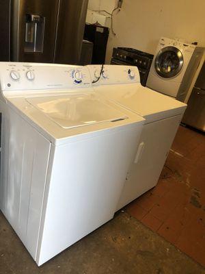 GE washer and gas dryer/ lavadora y secadora de gas for Sale in Perth Amboy, NJ
