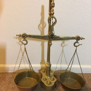 Vintage Brass SCALES OF JUSTICE for Sale in Riverside, CA