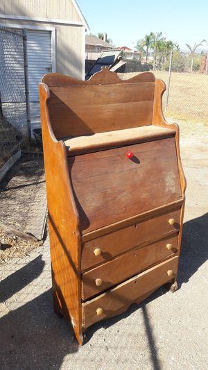 Antique dresser for Sale in Bloomington, CA