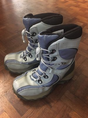 Snow boots, big kid size 4 for Sale in San Diego, CA