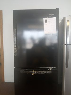 Whirlpool Bottom Freezer Refrigerator for Sale in Fairview Park, OH