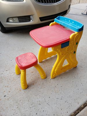 Kids desk and chair by Crayola (READ DESCRIPTION) for Sale in Phoenix, AZ