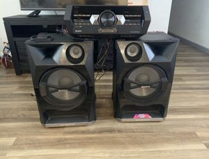 a stereo of the sony brand i'm asking for 500 dollar or better or ferta for Sale in West Richland, WA