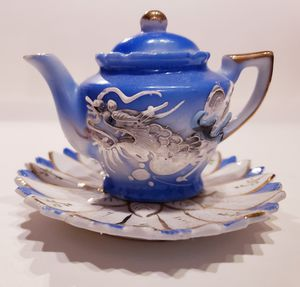Miniature Dragonware Teapot with Lid and Saucer for Sale in Surprise, AZ
