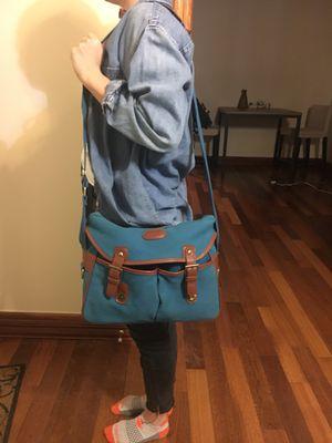 Across the shoulder DSLR camera bag for Sale in Chicago, IL
