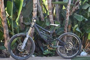 gen 1 knolly podium downhill bike for Sale in El Cajon, CA