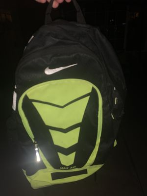Nike backpack for Sale in Moreno Valley, CA