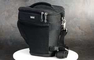 Think Tank Photo Digital Holster 40 V2 DSLR/Mirrorless Camera Bag + Rain Cover for Sale in Chula Vista, CA
