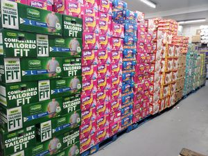 Suprema Wholesale Outlet Baby Diapers size 1 2 3 4 6 for Sale in Los Angeles, CA