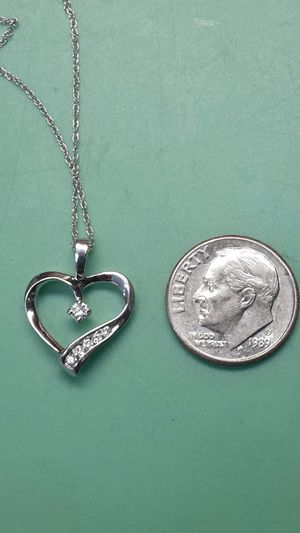 White gold and diamond heart for Sale in Longview, TX