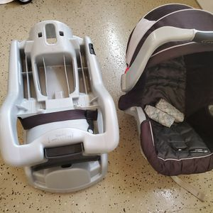 Graco Infant Car Seat And 2 Bases - Classic Connect System [Free] for Sale in Sunnyvale, CA