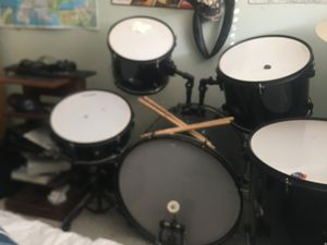 Full drum set with chair and a pair of drumsticks 400$ offer me for Sale in La Habra, CA