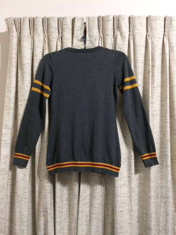 Hot Topic Harry Potter Gryffindor Gray Cardigan