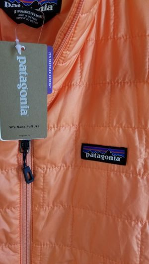 PATAGONIA NANO PUFF JACKET SMALL SIZE BRAND NEW for Sale in Tacoma, WA