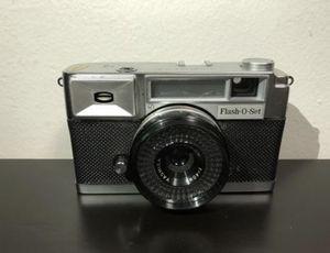 Yashica Flash O Set Camera Yashinon 40mm for Sale in Brooklyn, NY