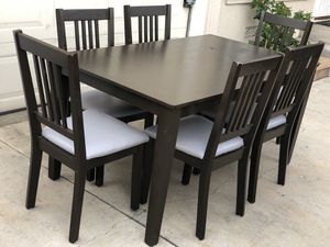 Kitchen table/ Dining table w/ 6 chairs/ Comedor for Sale in Santa Ana, CA