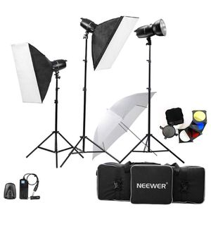Neewer Eagle Photo Lighting Kit for Sale in Apex, NC