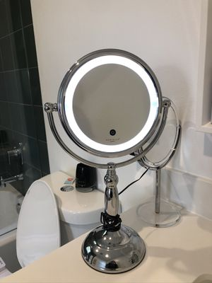 Light up Makeup Mirror for Sale in West Hollywood, CA