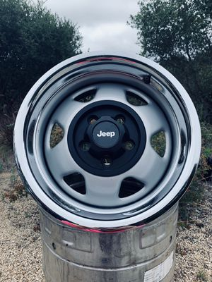 15 inch Jeep wheels beauty rims AMAZING CONDITION for Sale in Folsom, CA