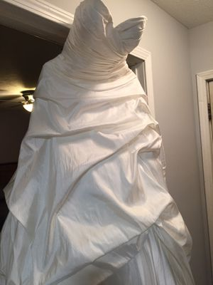 Wedding Dress Size 10 for Sale in Normal, IL