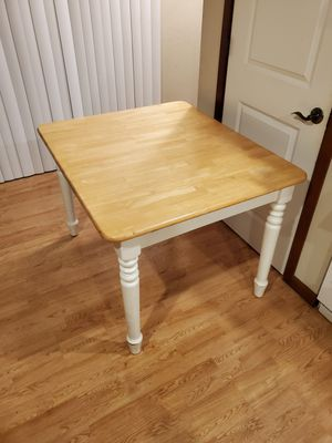 Free kitchen table or craft table. No chairs. Pick up for Sale in Everett, WA