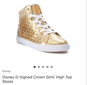 DISNEY D SIGN HIGH BOOTS SIZE 13,1,3,4 for Sale in Lodi, CA