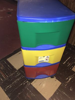 3 drawer plastic cart for Sale in Rosemont, IL