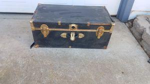 Vintage trunk! for Sale in Fresno, CA
