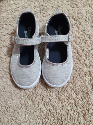 New girl's shoes size 8 for Sale in Mesquite, TX