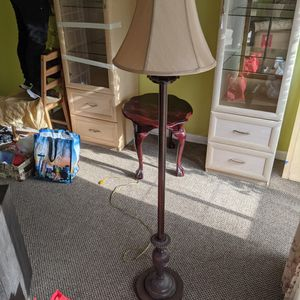 Vintage 5ft Tall Lamp for Sale in Concord, CA