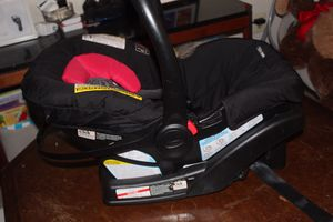 Graco SnugRide 30 Infant Car Seat for Sale in Gaithersburg, MD