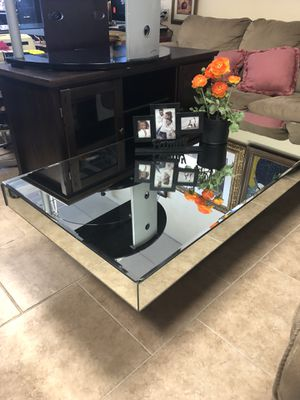 Mirror coffee table for Sale in Las Vegas, NV