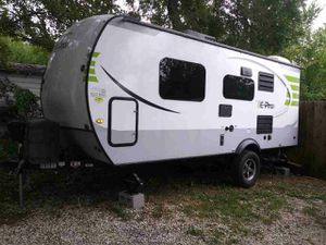 Renting camper travel trailer for Sale in Fort Worth, TX