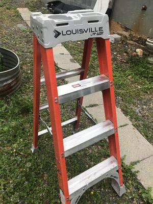 Ladder size 04 40$ for Sale in Fairfax Station, VA