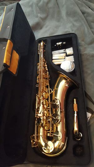 Tenor Saxophone (Must Sell!!) for Sale in Lincoln Acres, CA