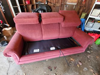 Lazy boy pull-out sleeper sofa for Sale in Cuyahoga Falls,  OH