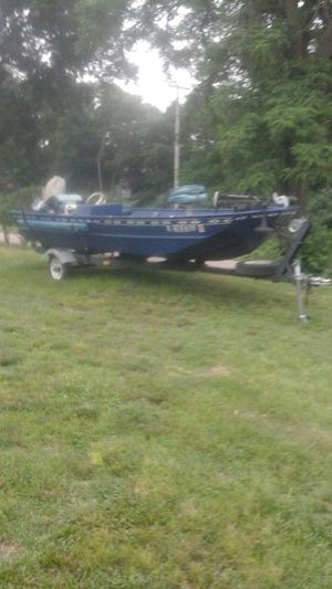 Jon boat 18' with tilt trailer in very good condition. for Sale in Henry, IL