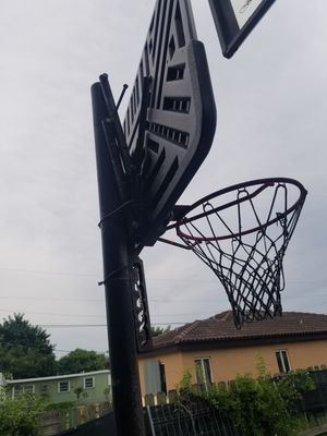 Basketball hoop quick adjust for Sale in Miami, FL