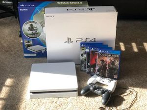 PS4 Slim Glacier White 500GB + two wireless controllers+4 games for Sale in Manassas Park, VA