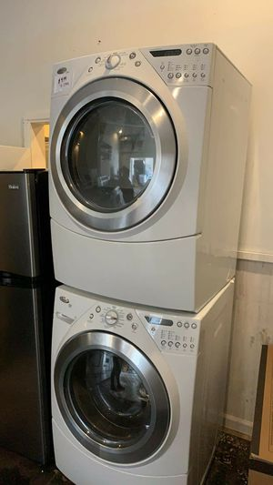 Whirlpool washer and gas dryer set excellent condition for Sale in Halethorpe, MD
