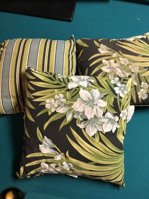 6 outdoor pillows / reversible for Sale in Fresno, CA