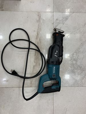 Makita Reciprocating saw (Sawzall). Works perfectly. Generally good aesthetic condition. for Sale in North Miami, FL