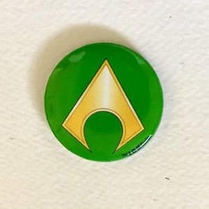 SDCC Aquaman Pin Comic Con 2018 Green & Gold Belt Logo DC Comics for Sale in Spring Valley, CA