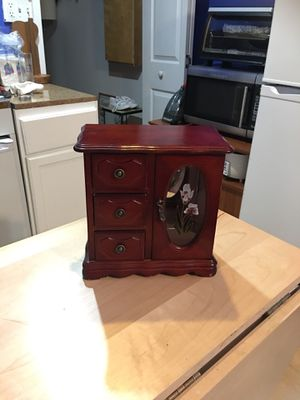 Antique jewelry armoire for Sale in Powder Springs, GA