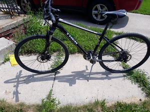 Trek 8.3 s racing bike for Sale in Livonia, MI