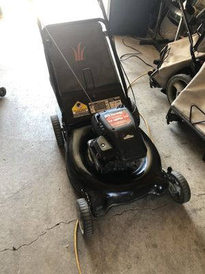 PUSH MOWER WITH BAG for Sale in St. Louis, MO