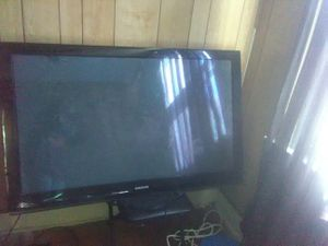 "Samsung 52"" for Sale in New Haven, CT"