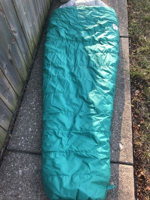 North face mummy sleeping bag polyester very nice for Sale in Dublin, OH